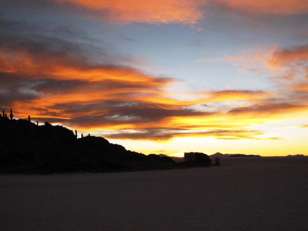 Abendrot auf dem Salar de Uyuni.