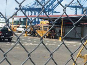der Buss steht nun im Hafen zur Verschiffung bereit