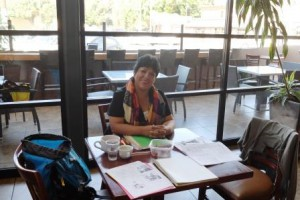 Edith, Claudias Spanischlehrerin