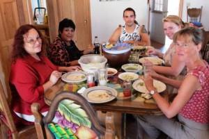 Yoly, Edith, Memo, Zoe, Claudia