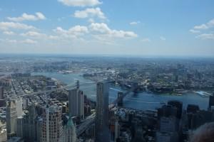 Blick über Downtown nach Brooklyn und Queens mit Eastriver