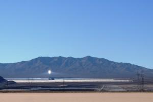 Sonnenkraftwerk in der Wüste bei Las Vegas