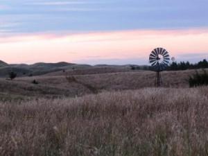 Windrad für die Viehbrunnen in der Prärie