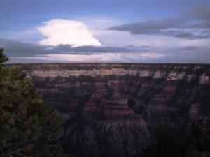 Morgenstimmung über dem Bright Angel Canyon