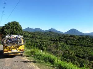Hier waren es noch zwei, an einem Aussichtspunkt an der Ruta de Las Flores in El Salvador